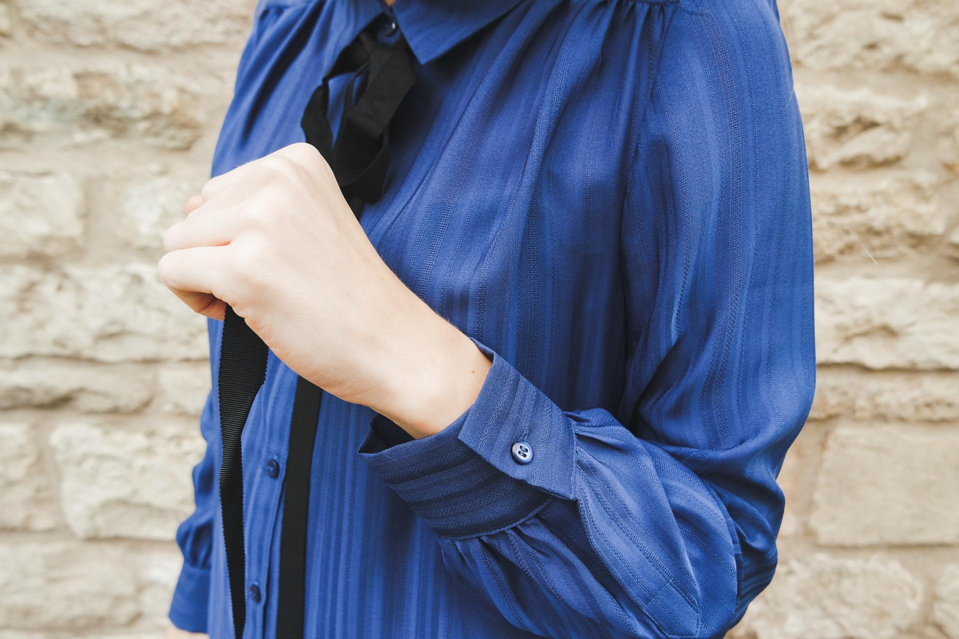 Black jeans blue shirt nexttake12 love style for Black shirt blue jeans