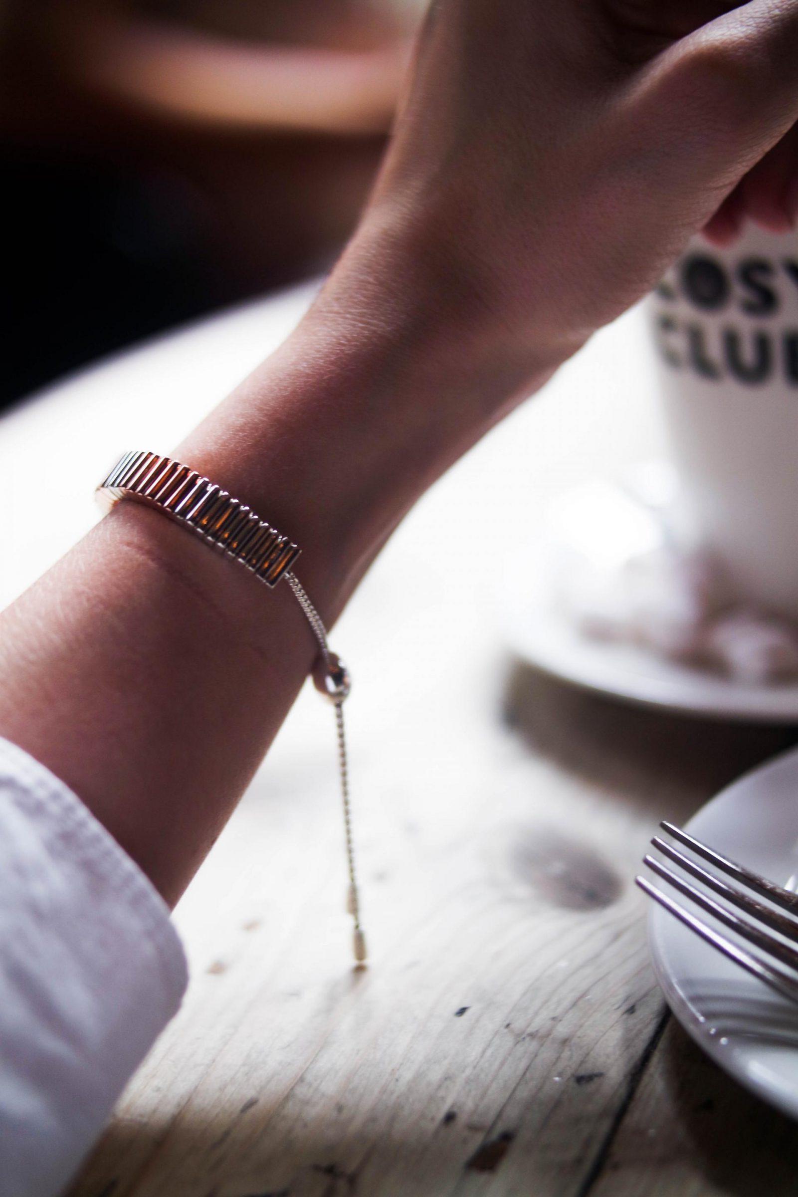 The-Friendship-Bracelet-An-Unbreakable-Bond-Links-of-London-Silver