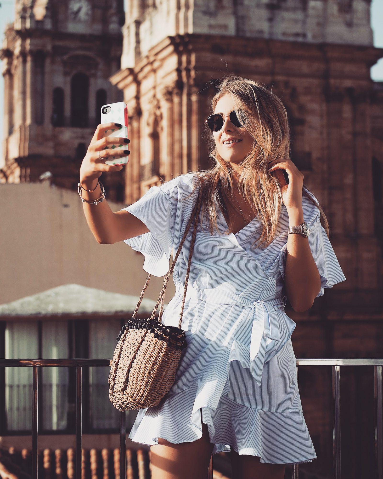 Otterbox Out Of Office Malaga Selfie
