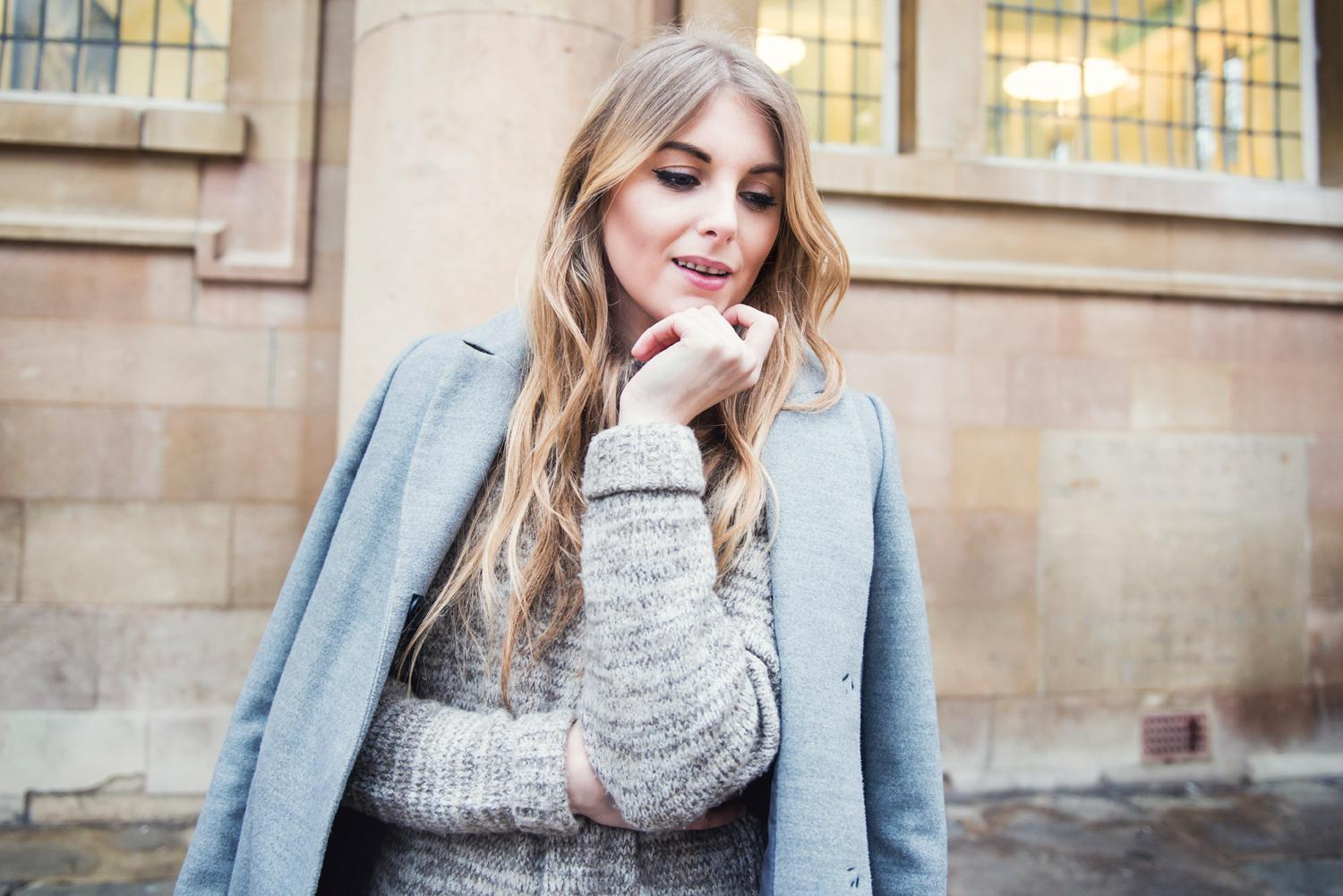 How to wear white jeans in Winter / chunky knits