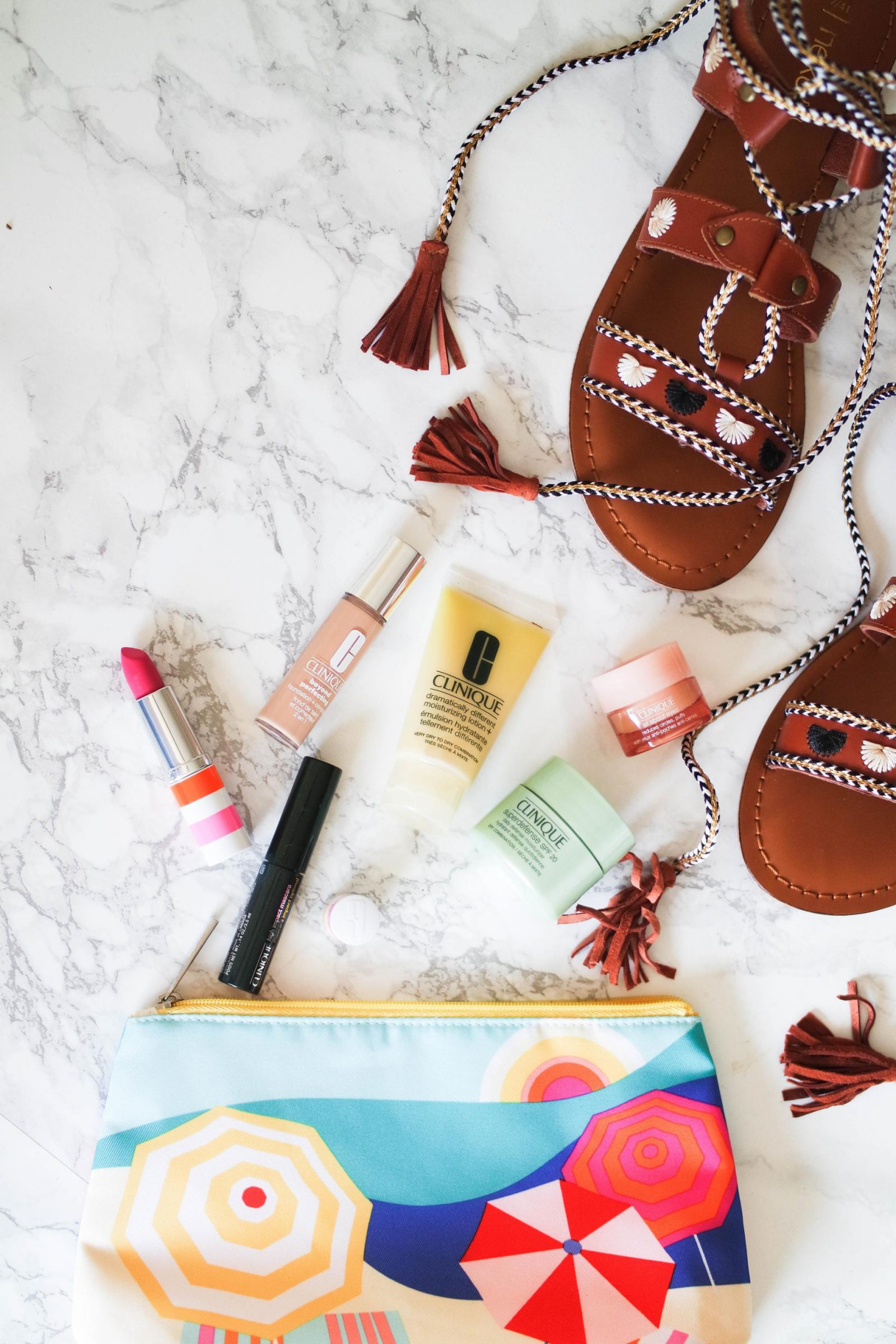 holiday essentials & a (free) face in a bag