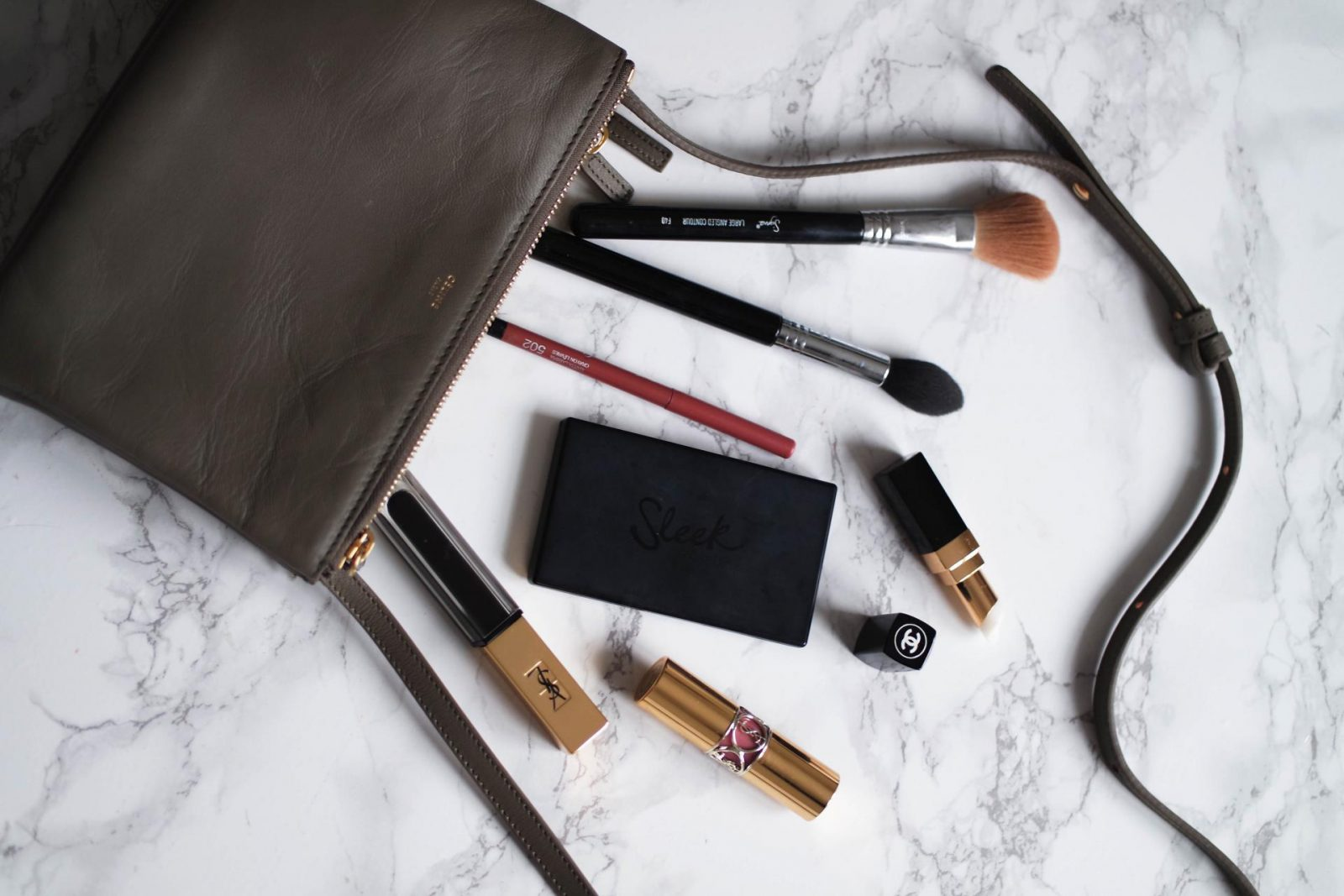 whats in my bag - celine trio