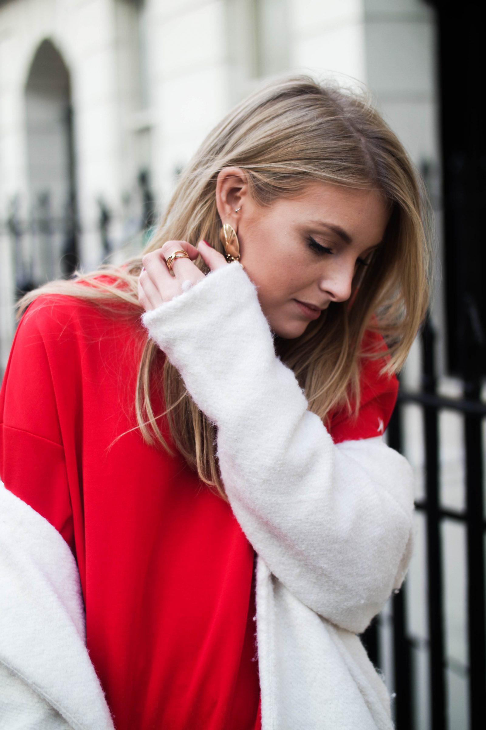 LFW DAY 2 - Red Alert - Fashion Blogger