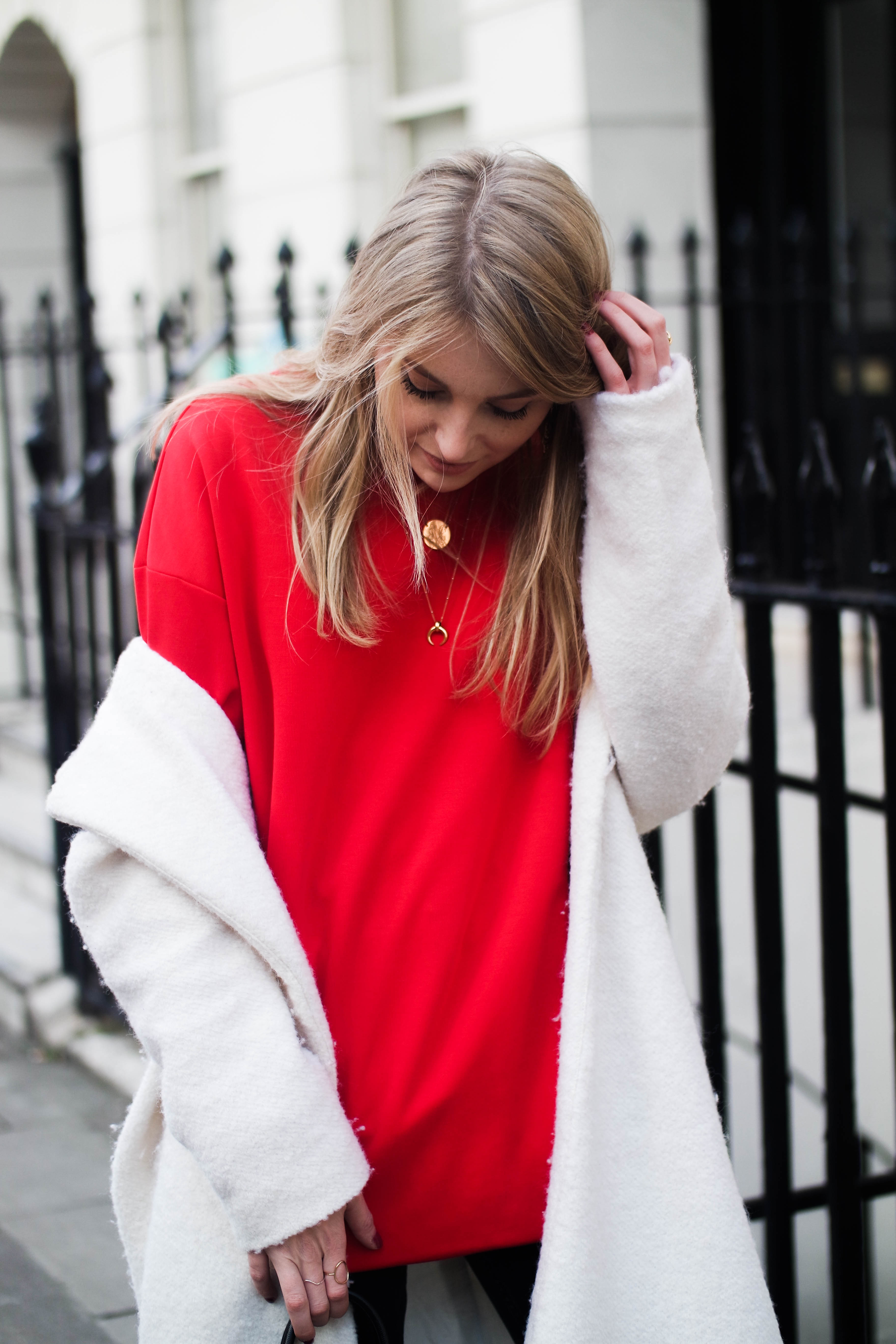 LFW DAY 2 - Red Alert - Fashion Blogger Street Style