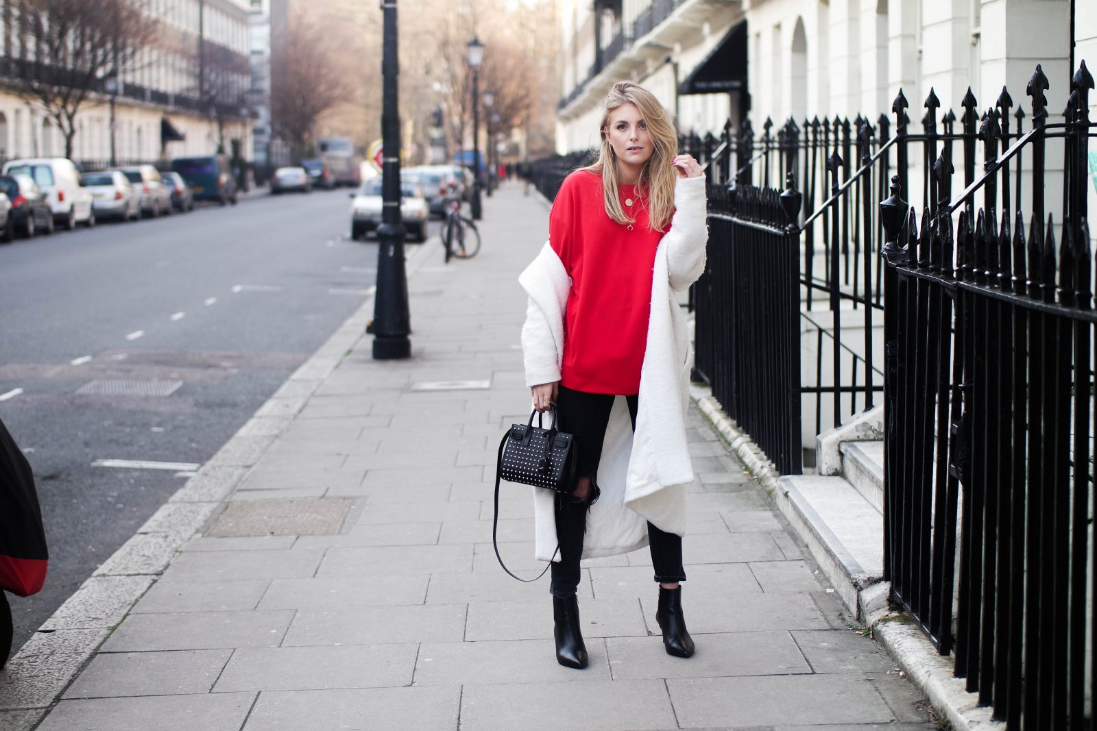 LFW DAY 2 - Red Alert - Fashion Blogger Style