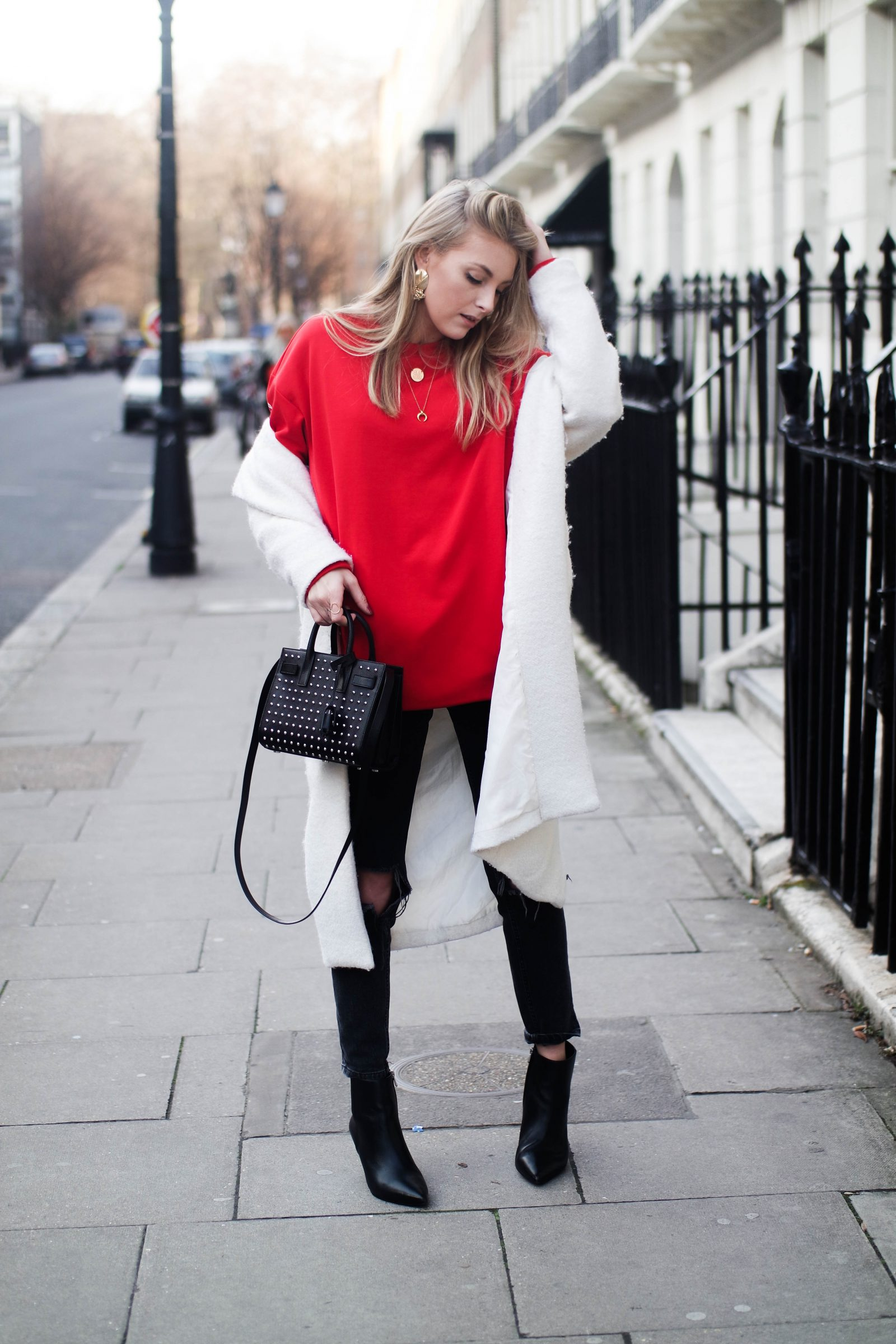 LFW DAY 2 - Red Alert - Street Style
