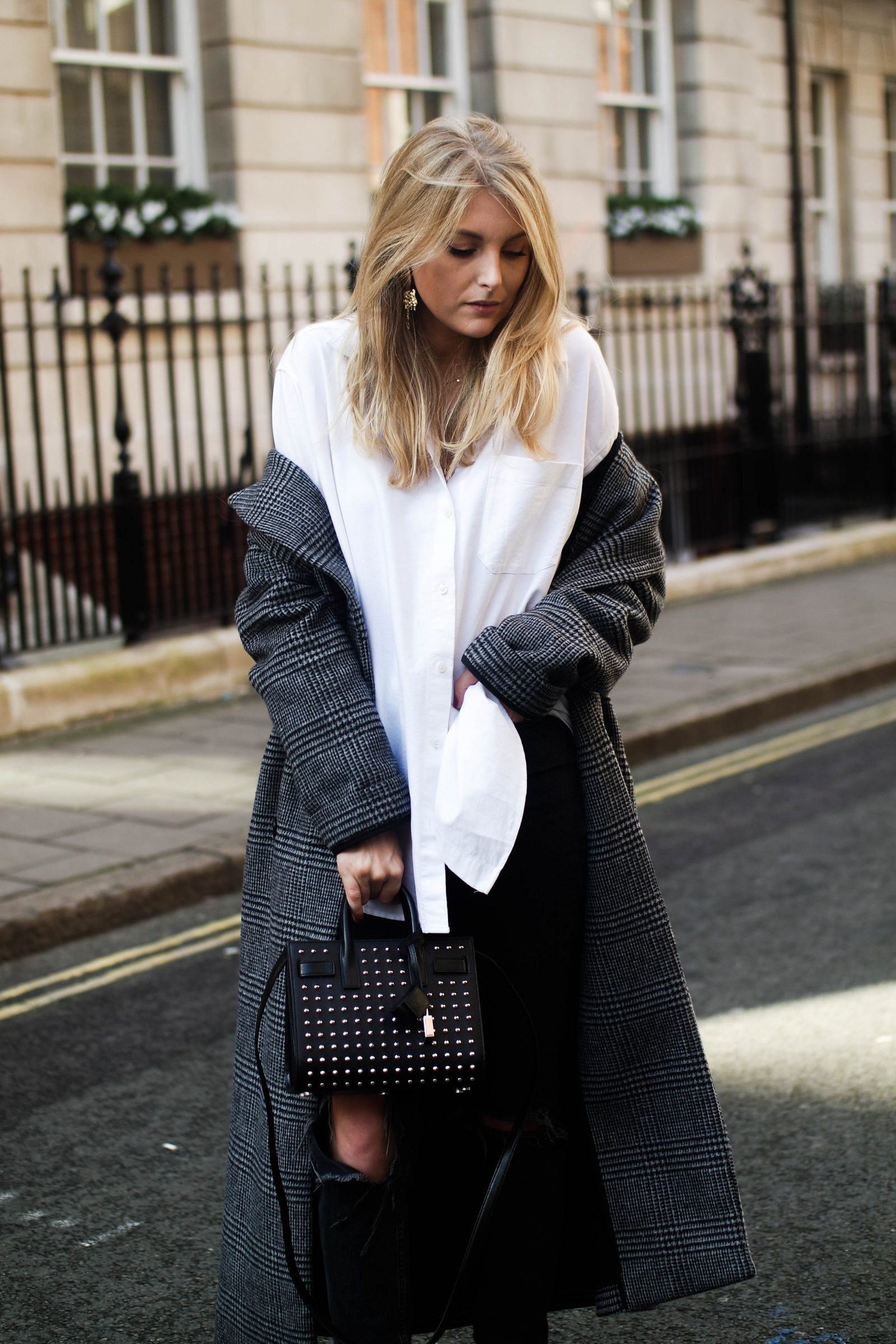 LFW Day 3 Keeping It Monochrome - Blogger Style