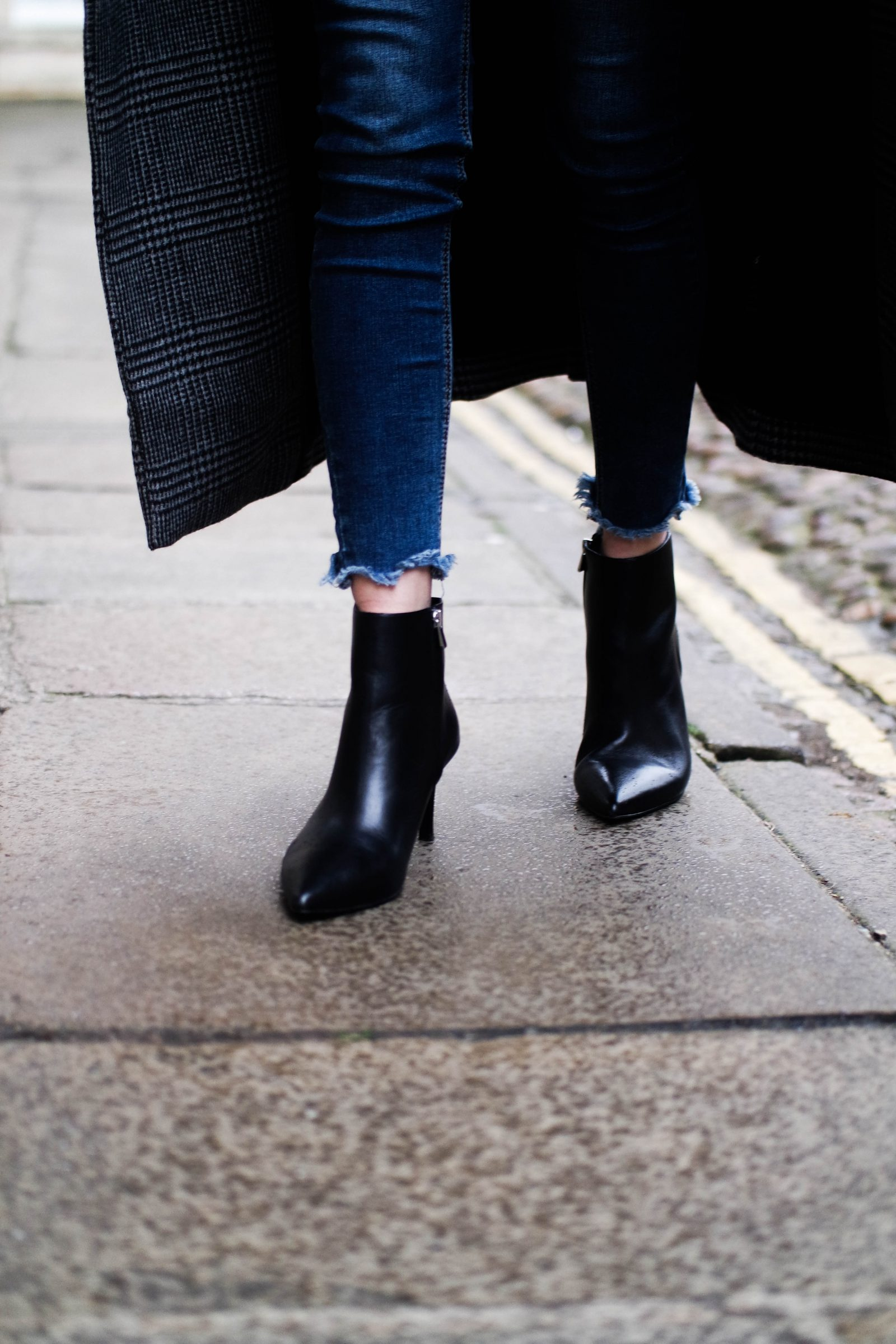 Say Hello To Saint (laurent) - Leather Ankle Boots