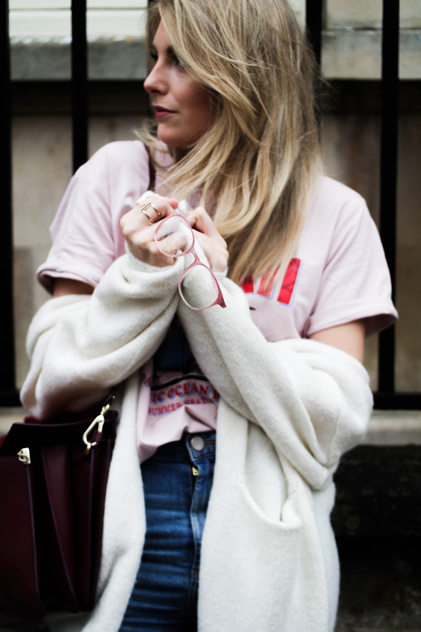 The Rise of The Logo Tee Blogger Styling