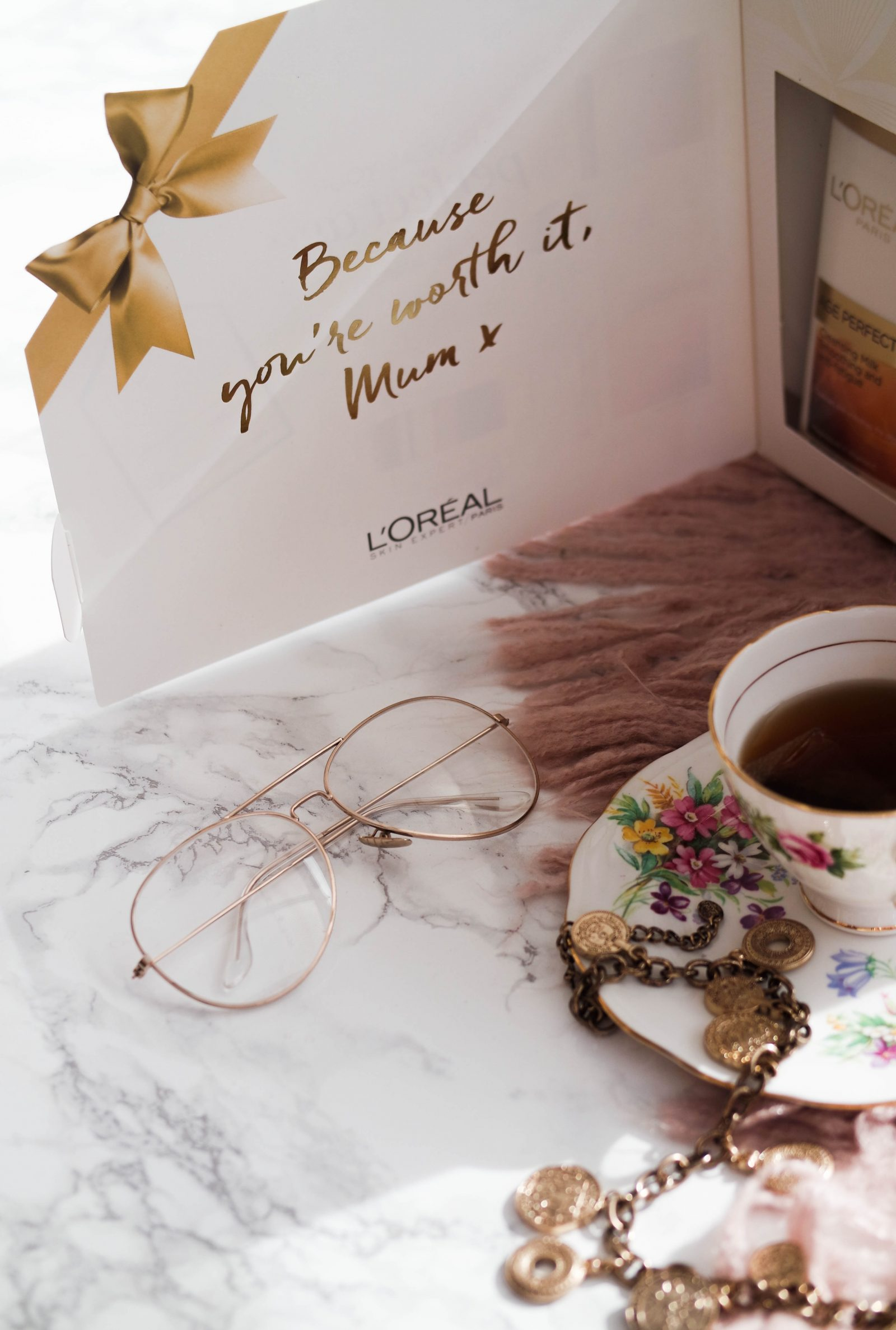 The Gift That Will Have Your Mum Glowing | L'oreal Paris | Ad
