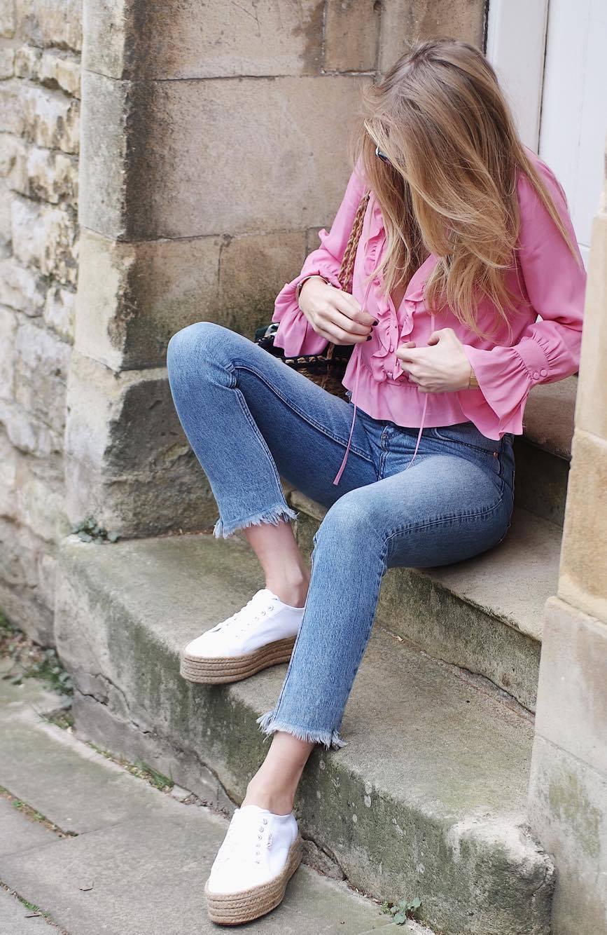 708fdfbd201 Coachella Vibes - Monki Jeans Pin this image on Pinterest. Coachella Vibes  - Miu Miu Sunglasses ...