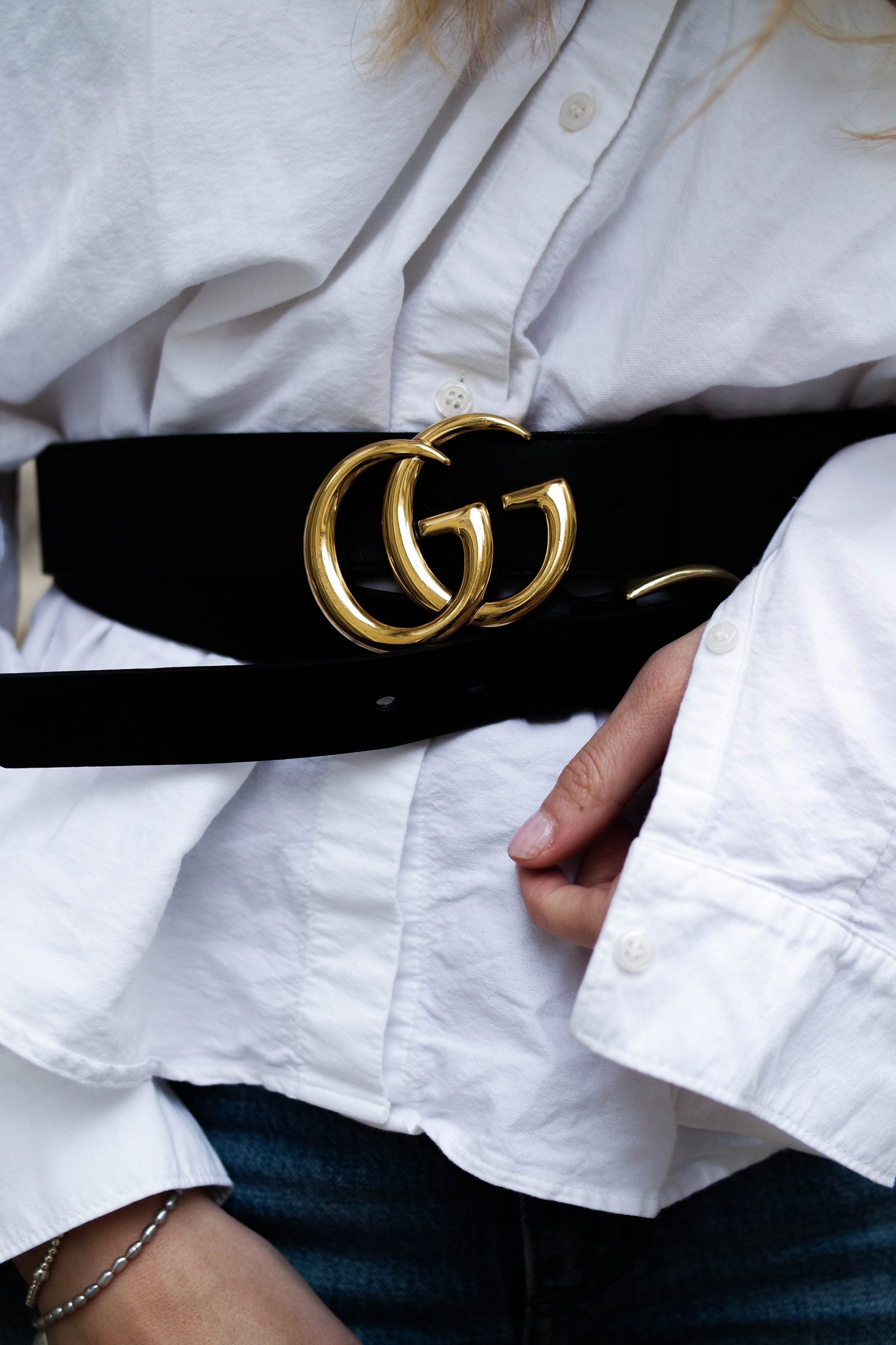 The New Way To Wear Your Statement Belt - Gucci Logo Belt