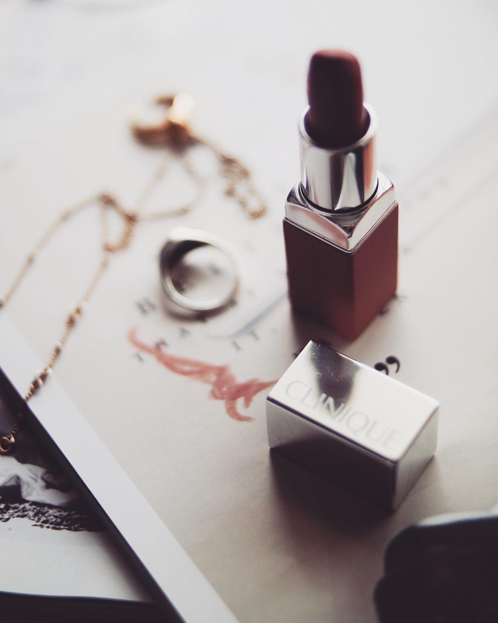 Nude Lipsticks - Clinique Colour Pop