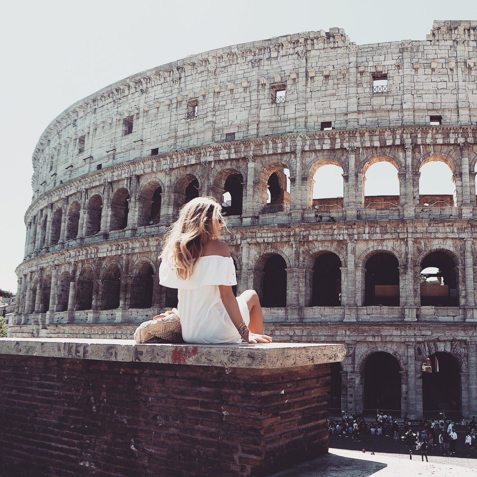 Holiday Lookbook - Rome Colosseum