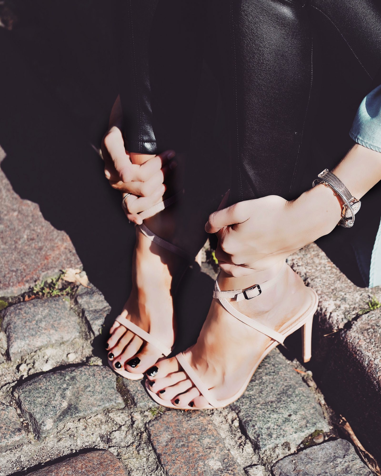 LFW Streetstyle - Nude Sandals - Fashion Blogger Sinead Crowe