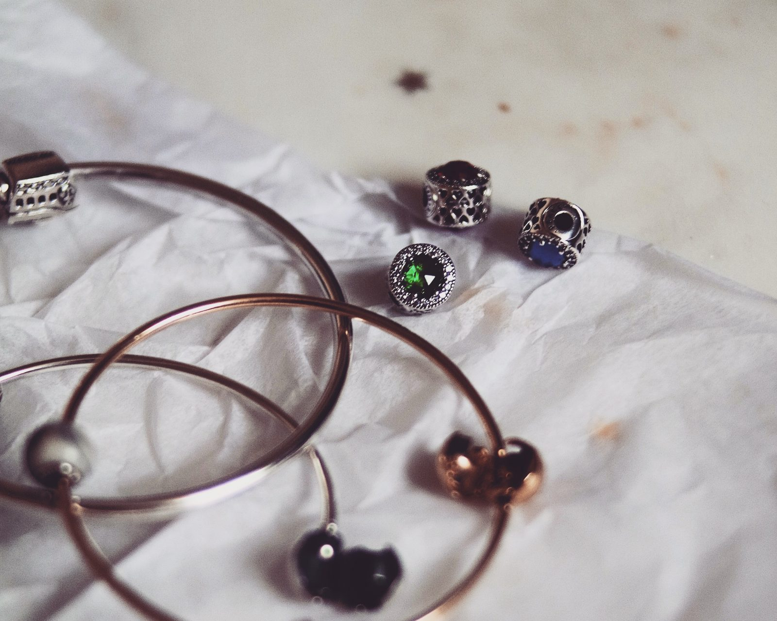 Gift guide for her - Pandora Christmas Charms