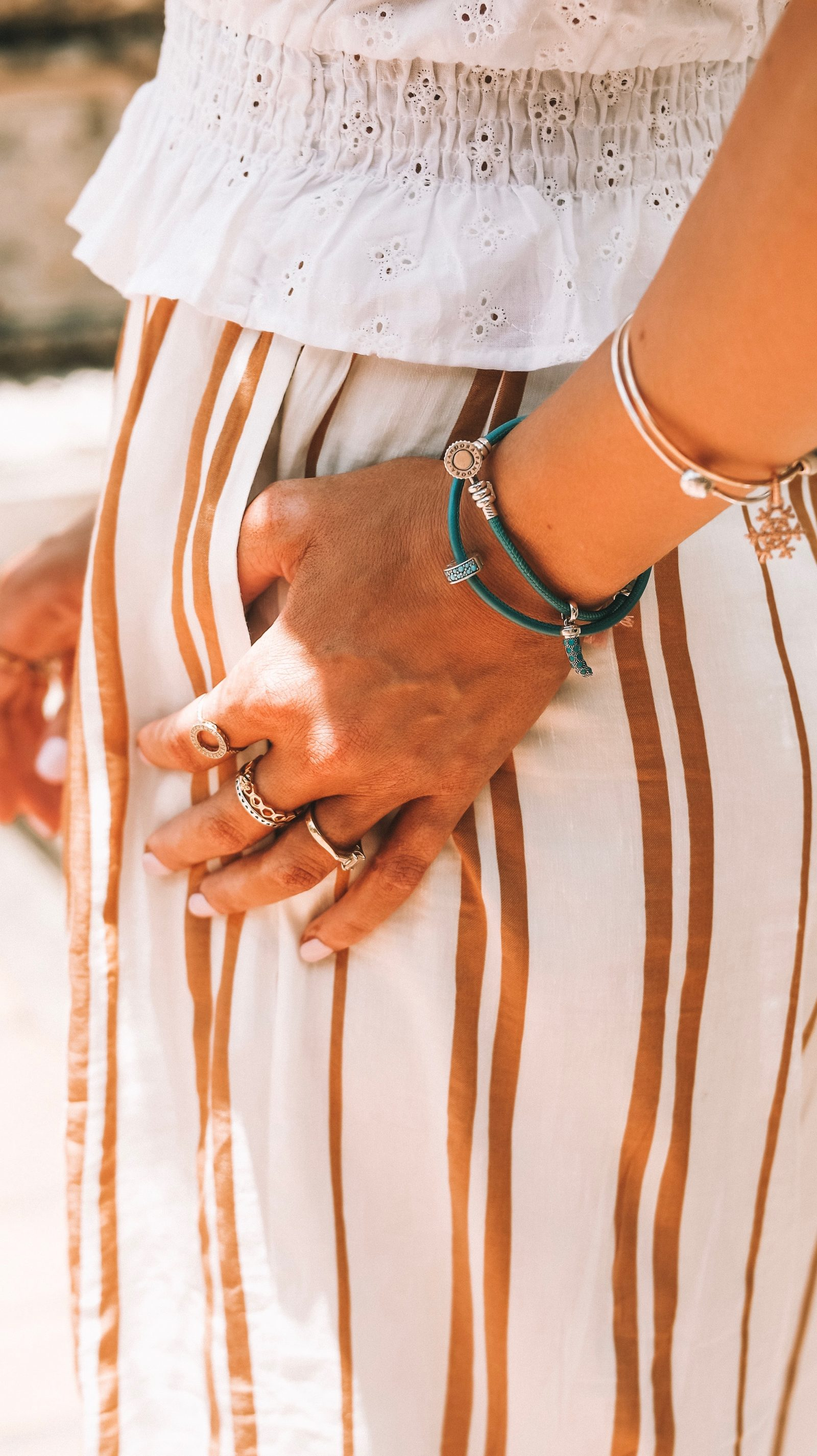 Sightseeing Outfit - Thailand Summer Leather Bracelet