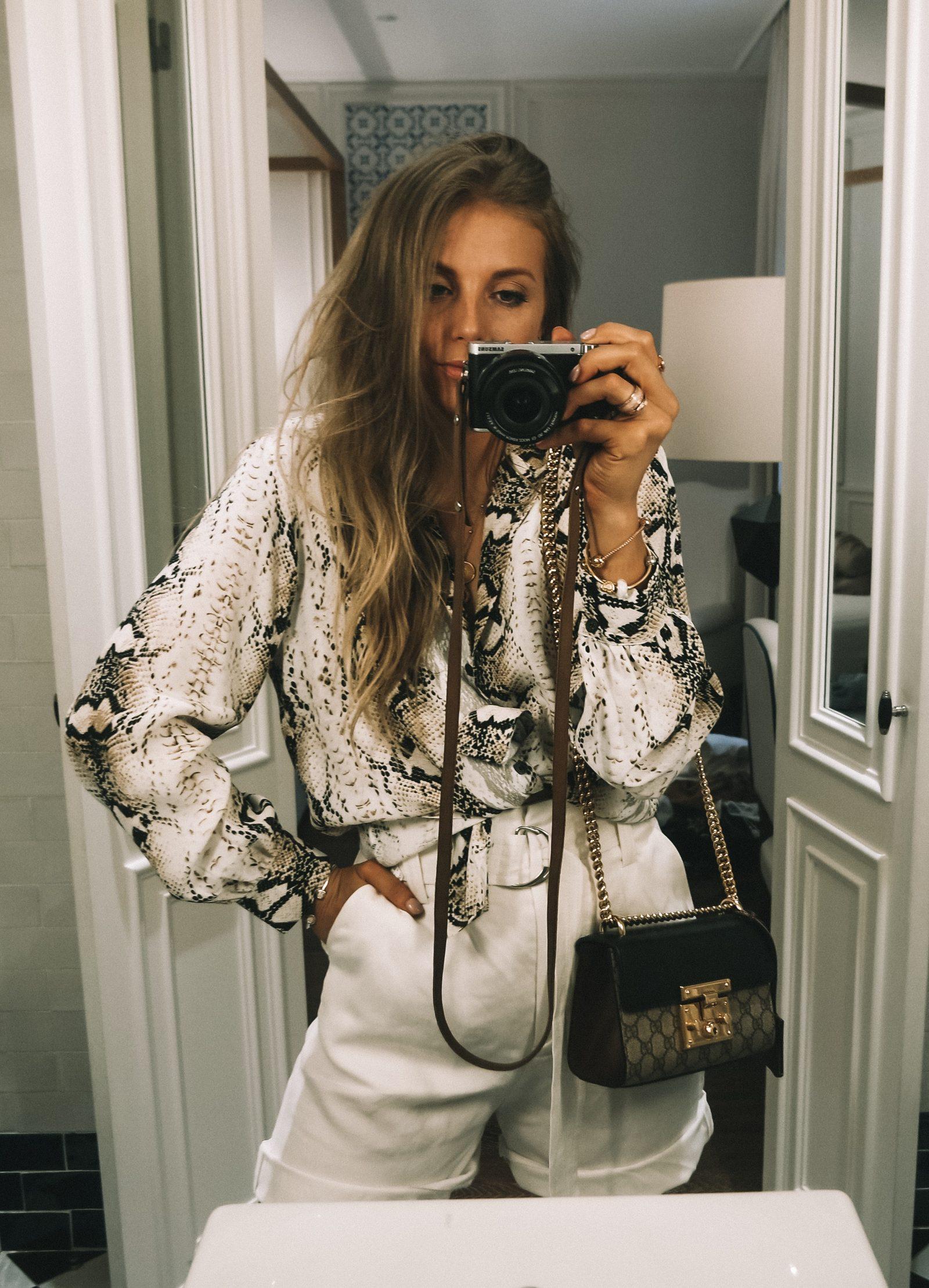H10 Duque De Loule - Mirror Selfie
