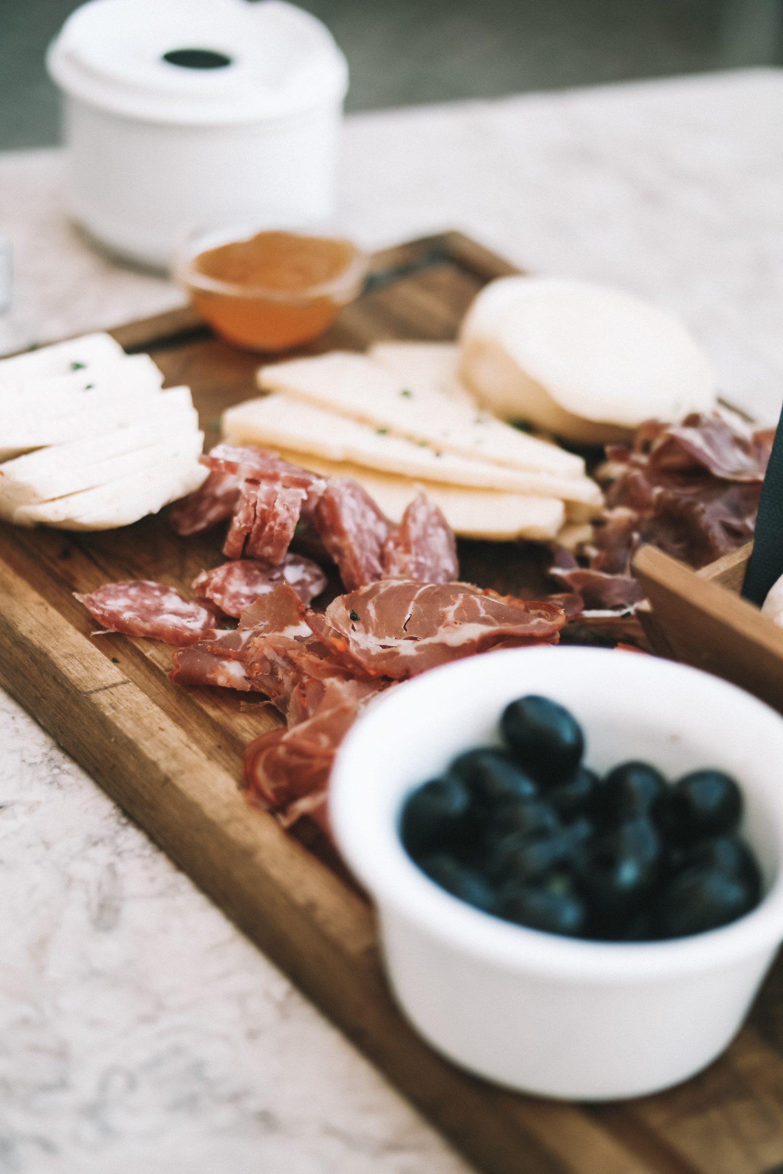 LISBON FOOD GUIDE - MEAT PLATTER