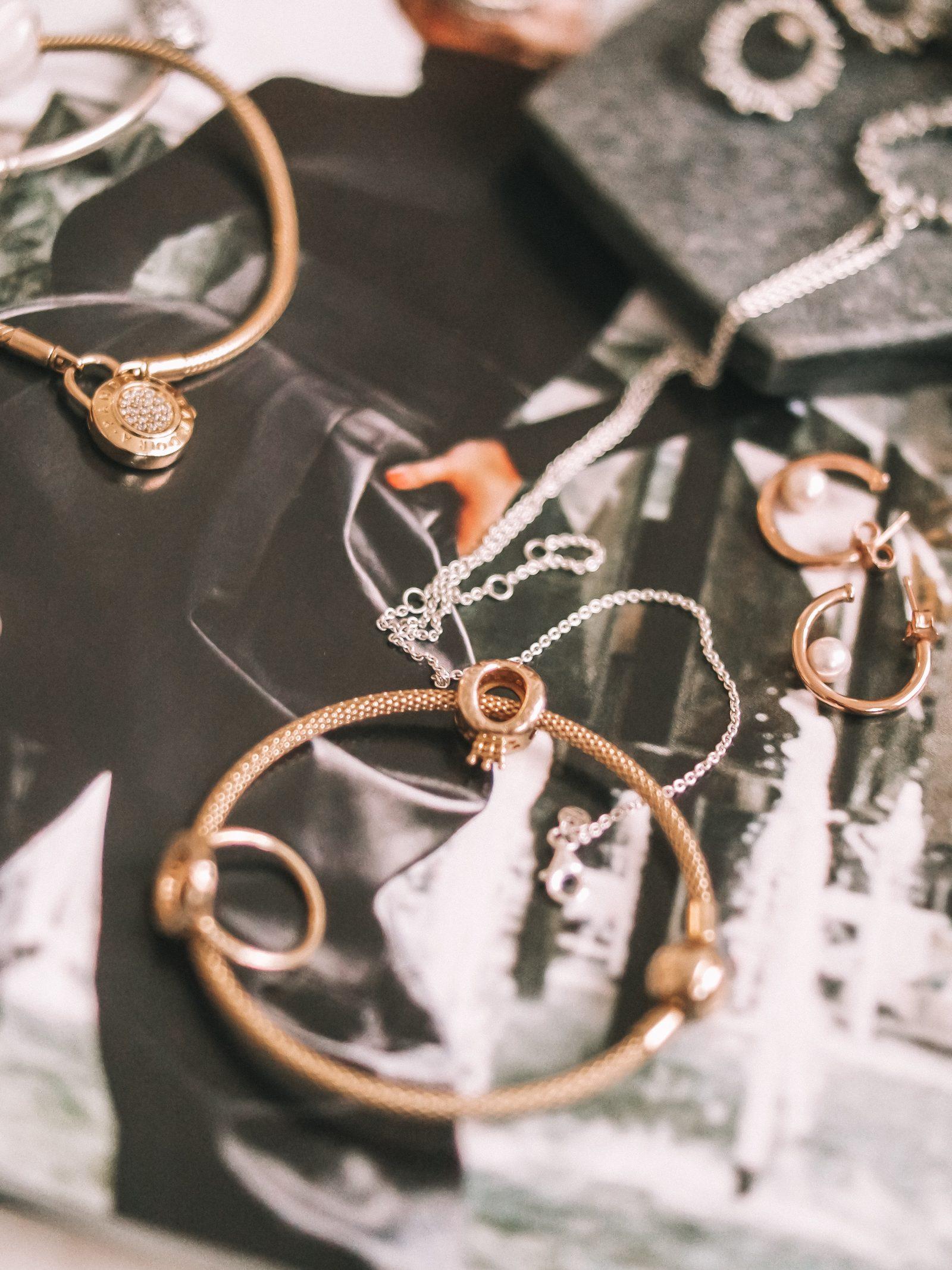 Pandora-Gift-Guide-Pandora-Shine-Mesh-Bracelet