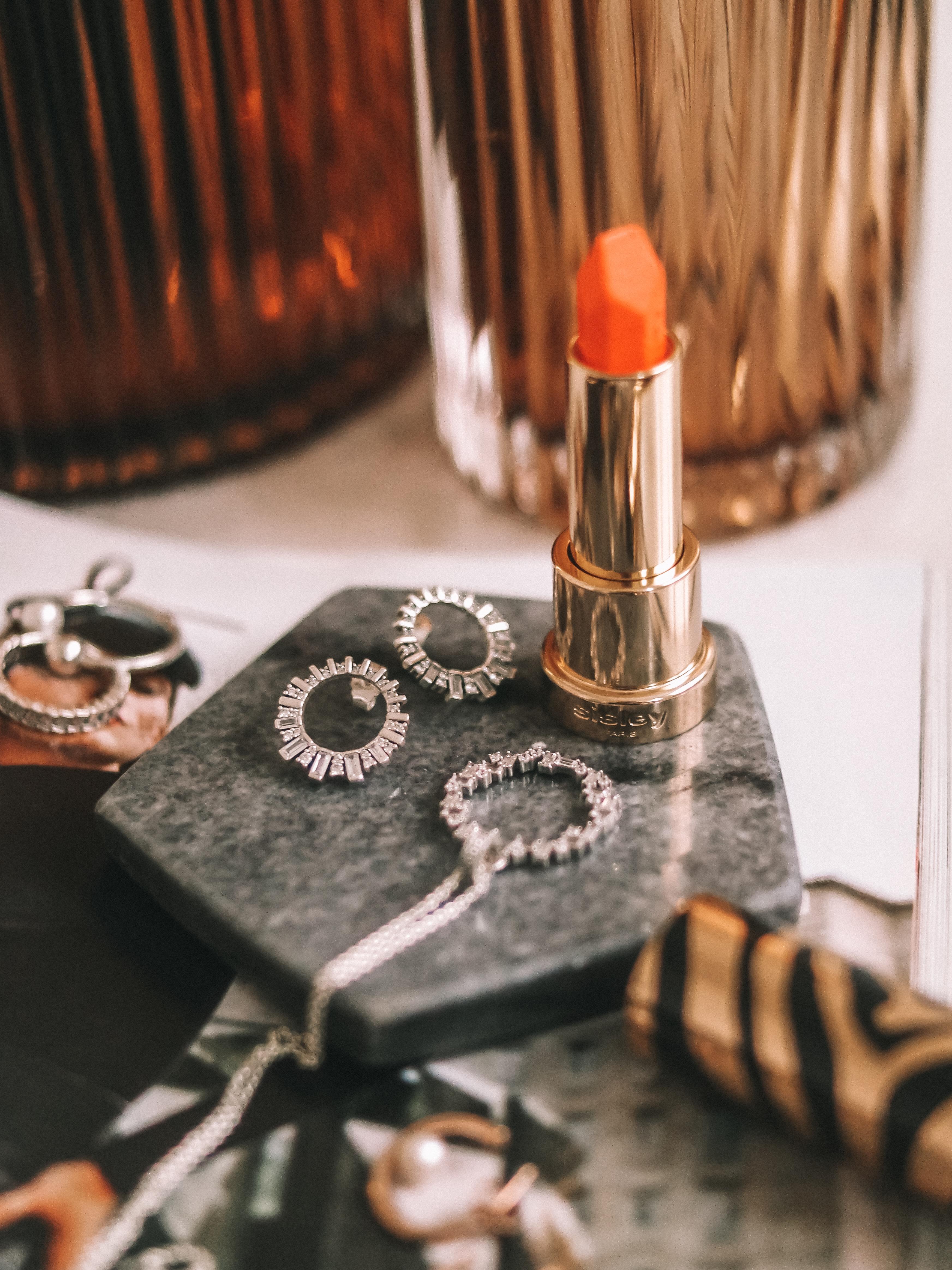 Pandora-Gift-Guide-Sparkle-Silver-Necklace