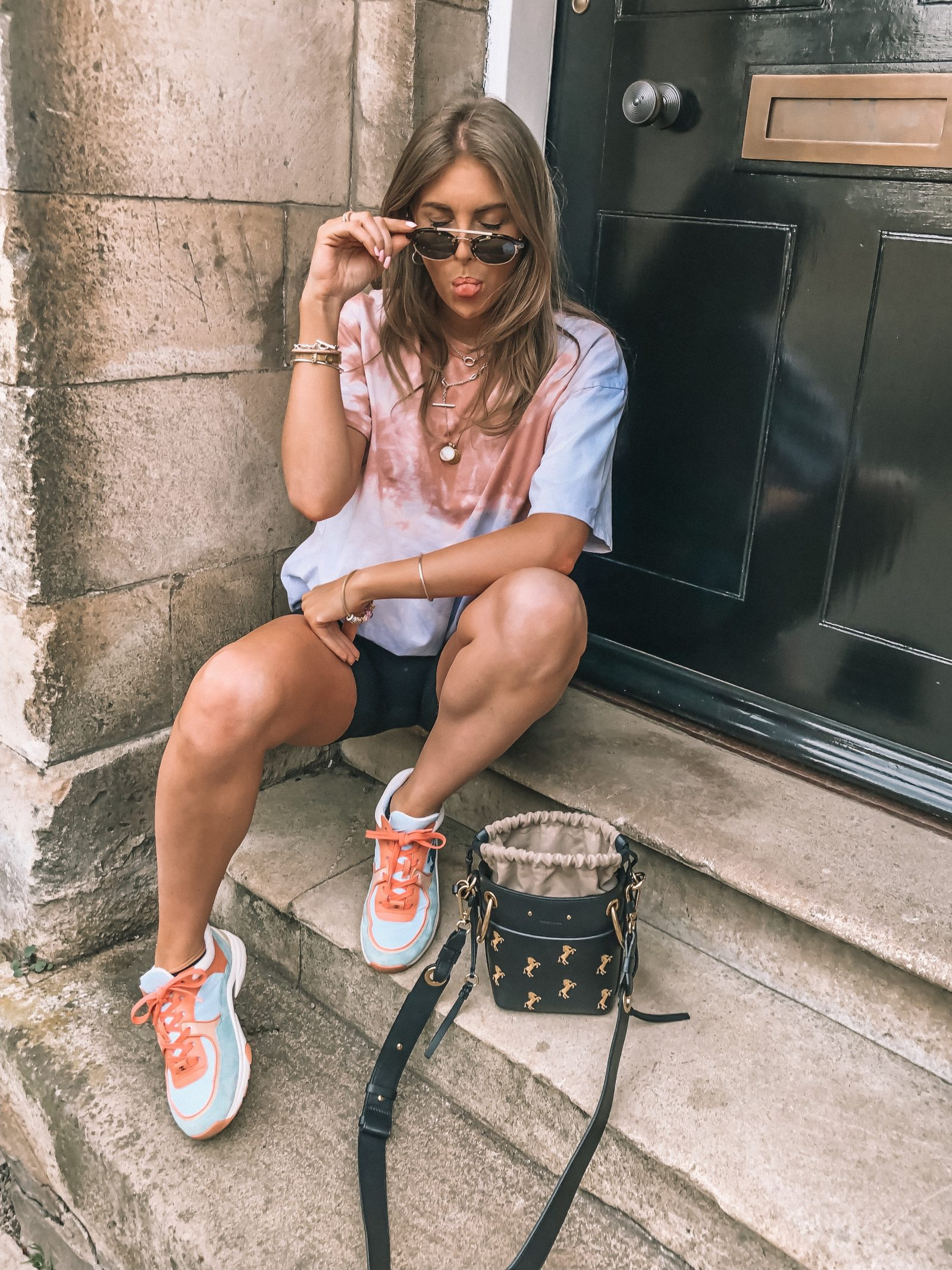 Spring street style outfit ideas for the tye dye t shirt spring trend