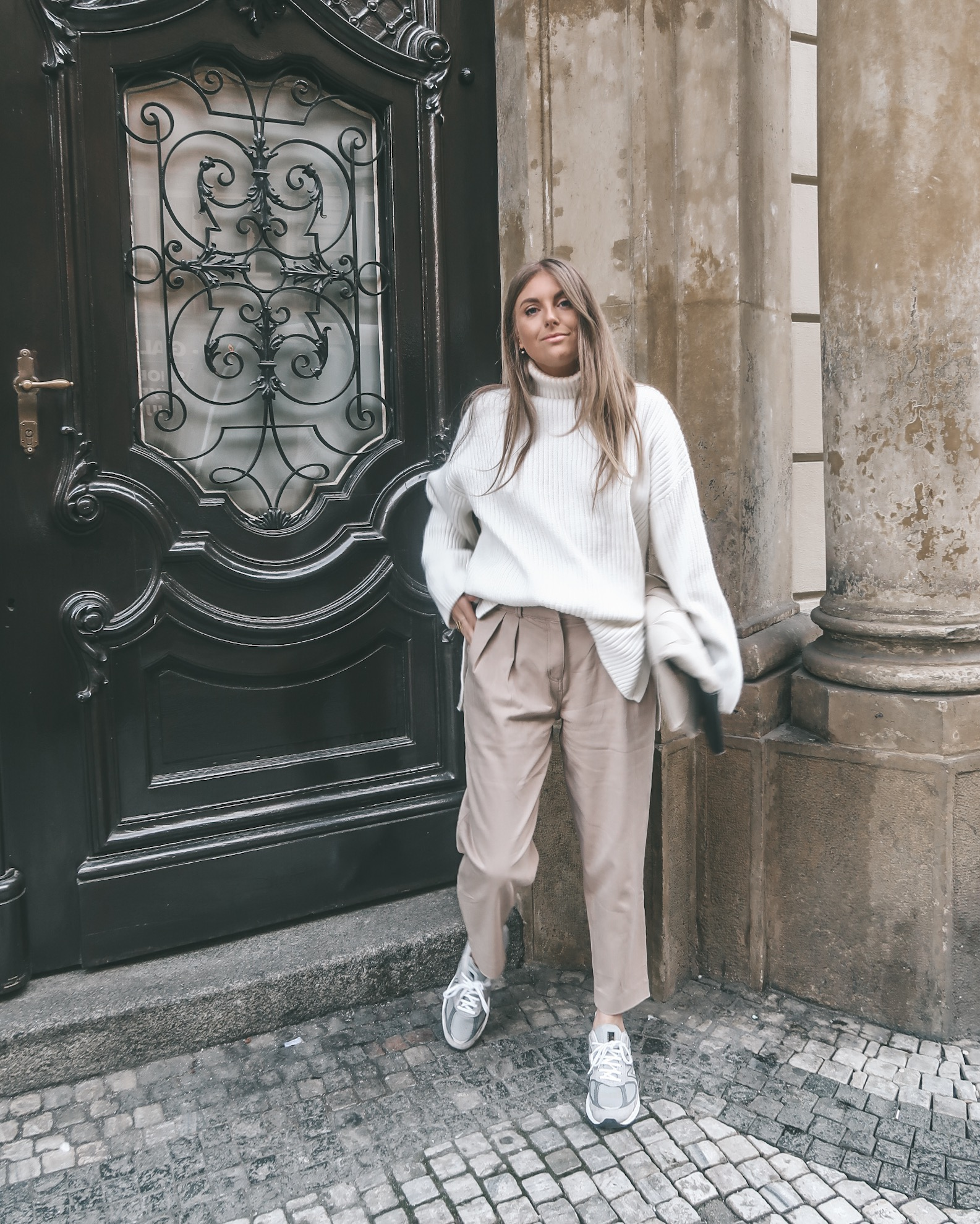Prague - Neutral Winter Outfit