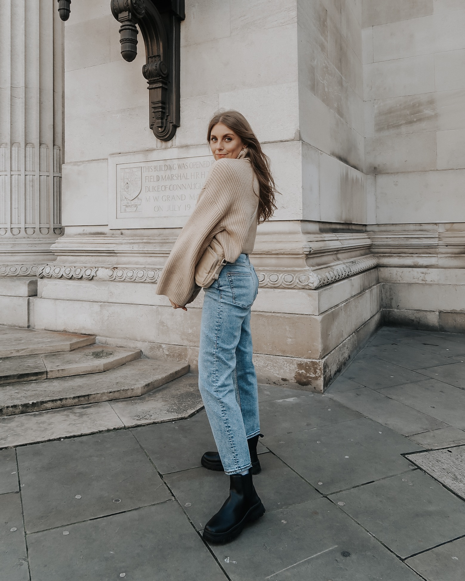 Monki Jeans - High Waisted Blue Jeans