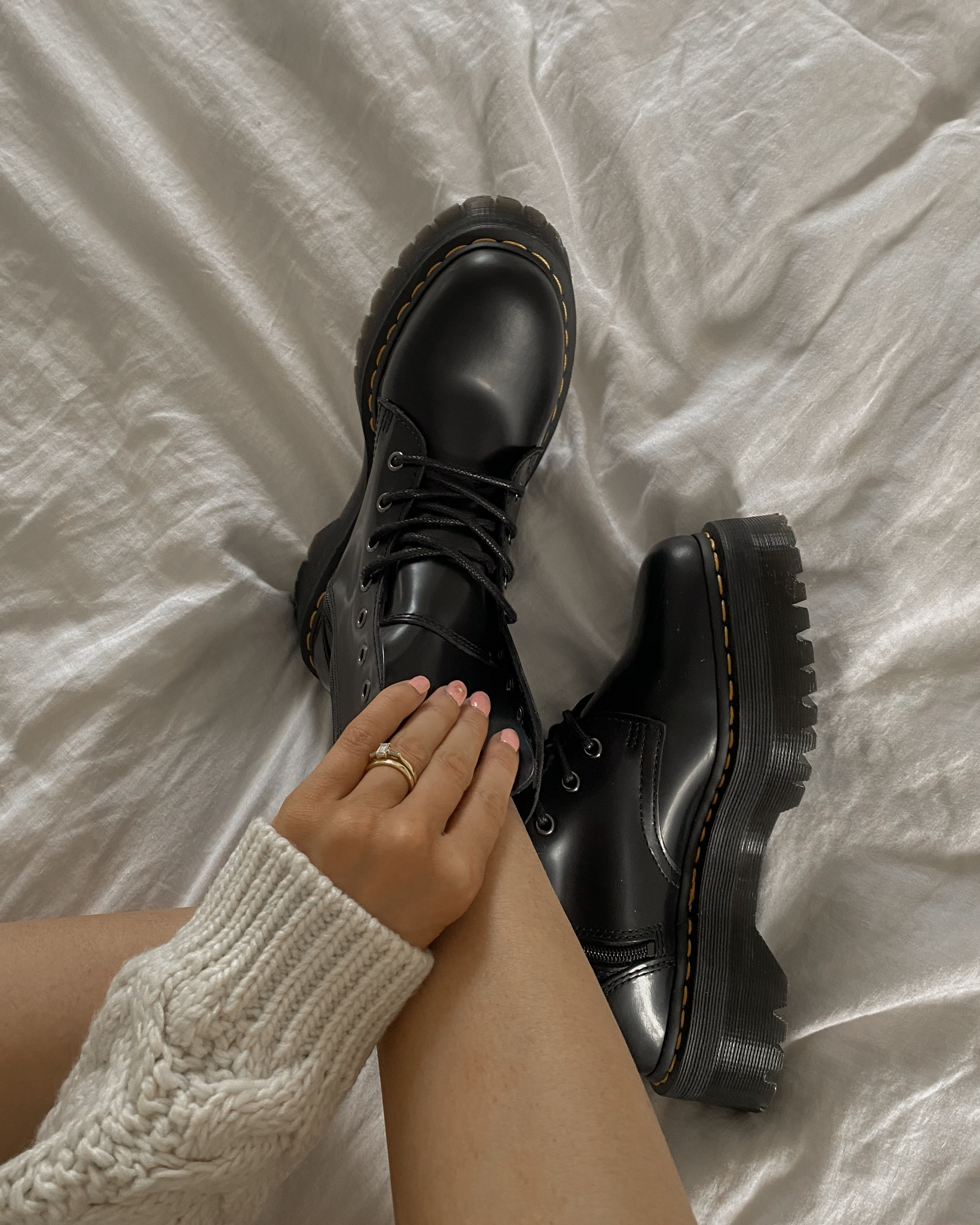 Styling Dr Martens Jaden Boots - Black Chunky Boots