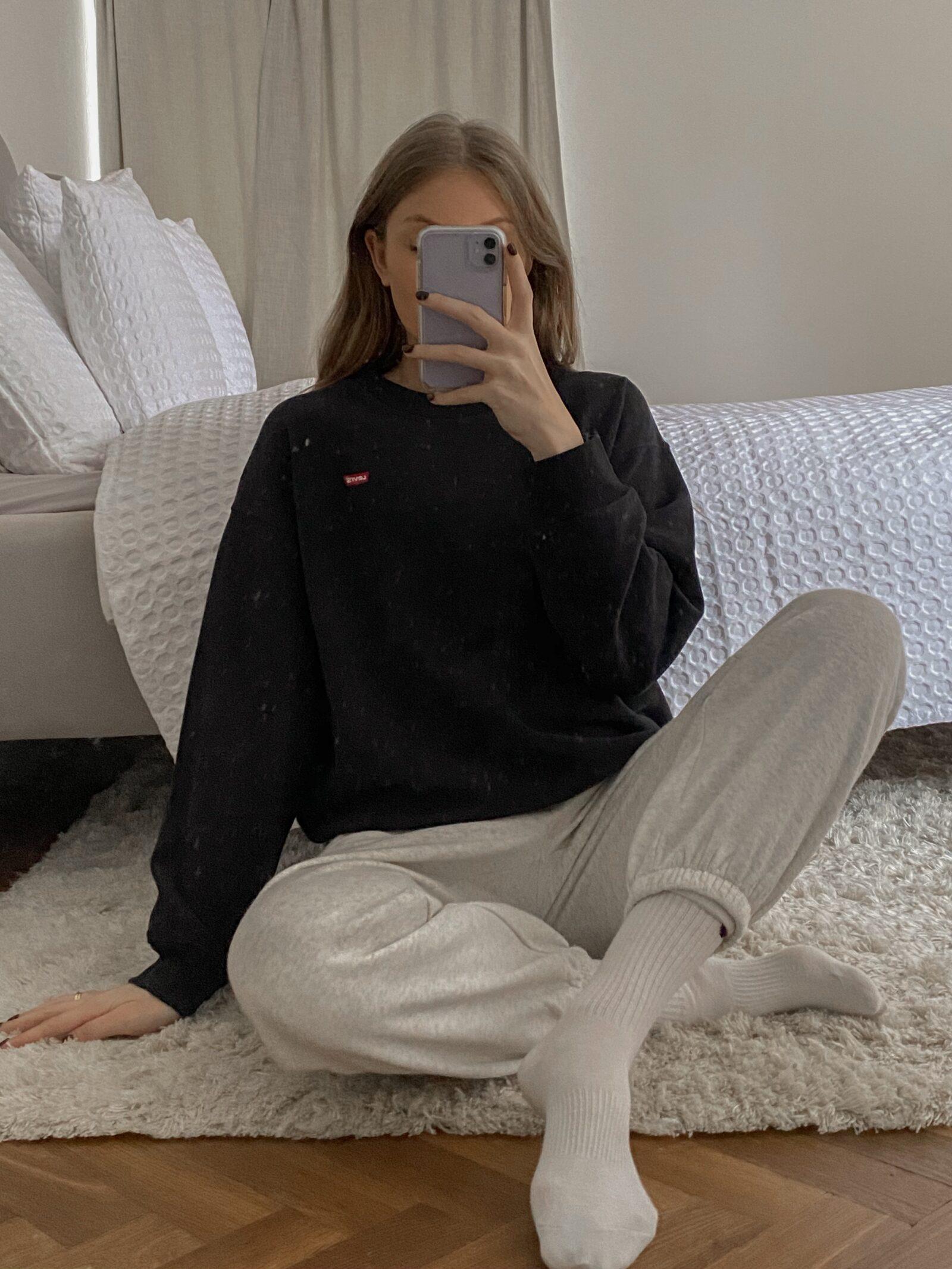 Amazon Black Friday Deals - Levis Black Sweatshirt