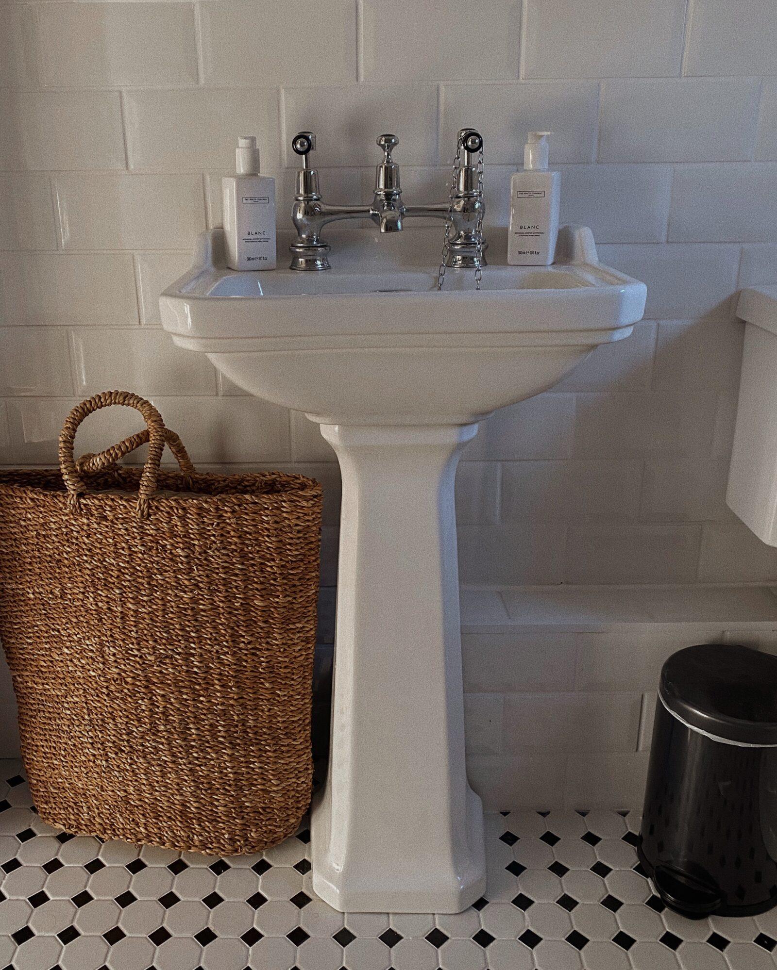 DIY Bathroom Makeover - White Home