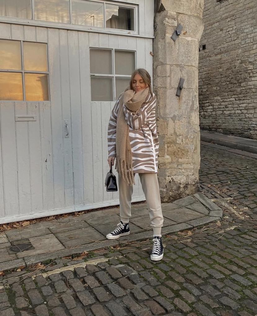 Karen Millen Loungewear Favourites - Knitted Joggers